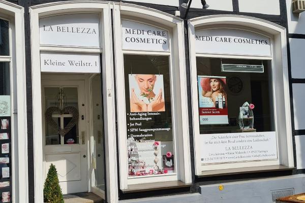 Bild 1 von Medi Care Cosmetics - La Bellezza