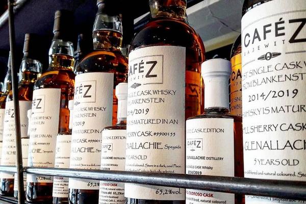 Bild 2 von Café Z. & Whisky Shop/Eiszeit Eiscremebar